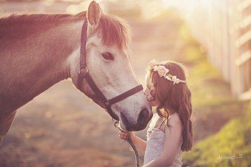 Дети и животные в очаровательных снимках (35 фото)