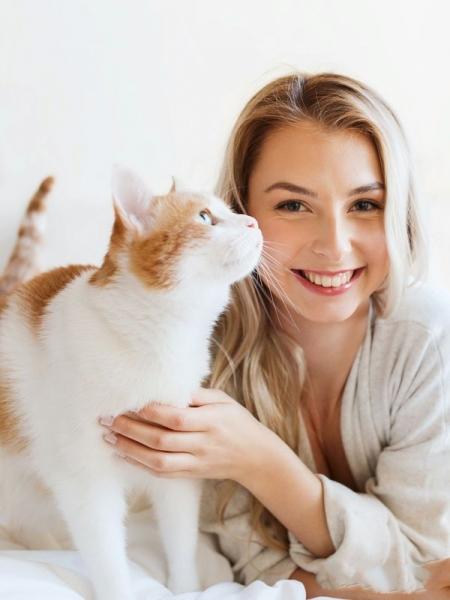 Женщины и кошки (50 фото)